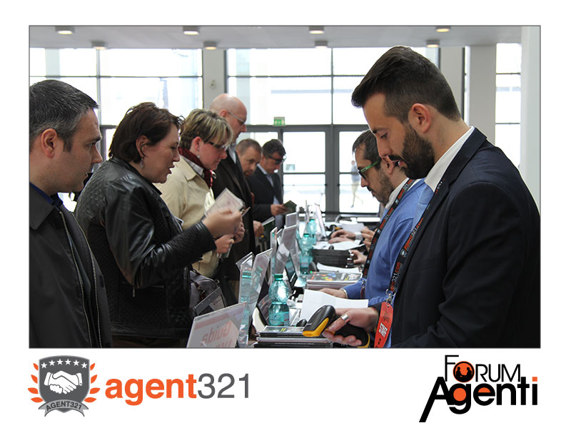 Agenti di Commercio al desk per l'ingresso al Forum Verona 2016
