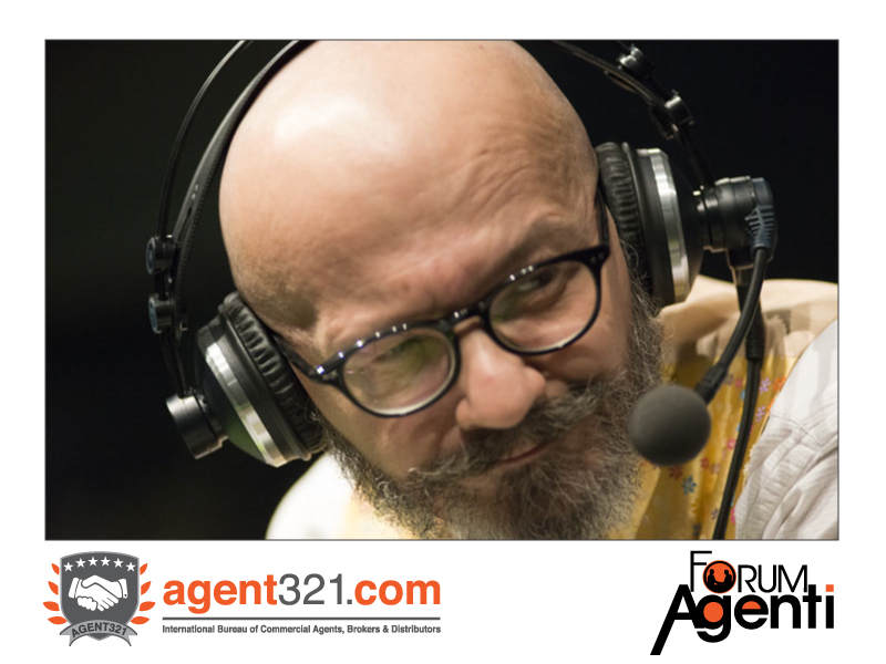 Radio24 live from Forum Agenti: on air with Oscar Giannino